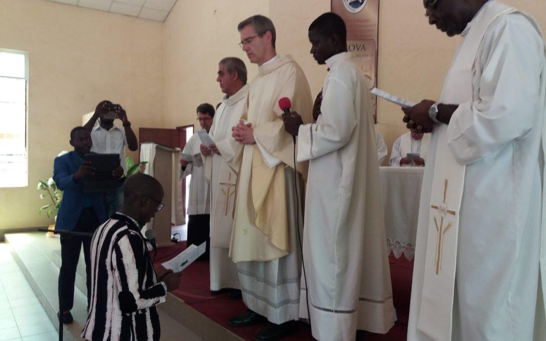 Visita canónica ao distrito de Angola